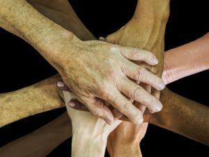 Freundschaftssprüche - Hände aufeinander