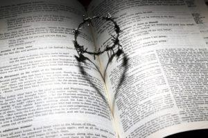 Trauersprüche - Buch mit Kreuzen und Herz